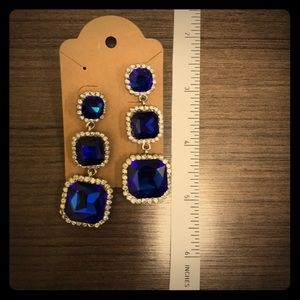 Jewelry - Elegant blue dangle / drop earrings